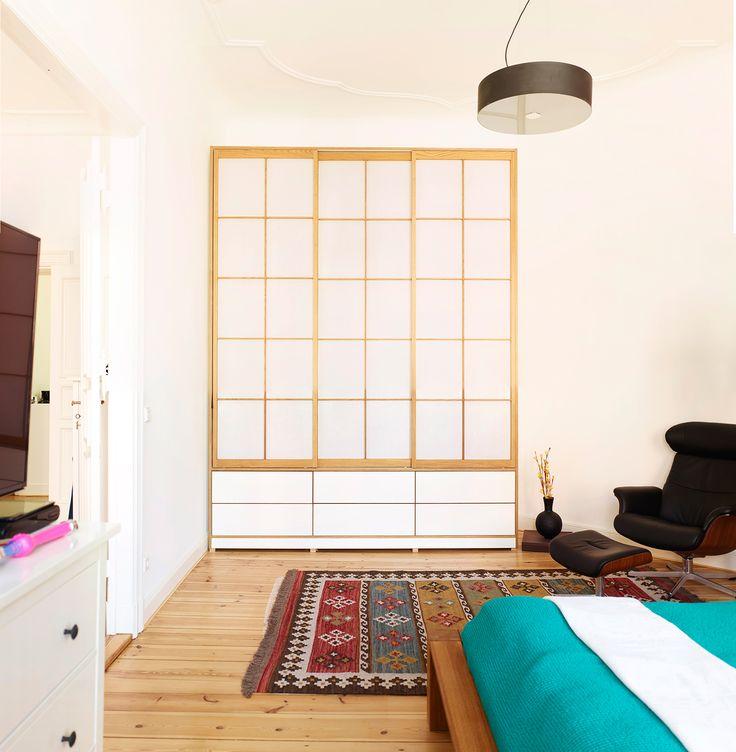 Inspirational Viel Stauraum f r das Schlafzimmer u unser Kleiderschrank Edmonton mit eleganten Shoji Schiebet ren