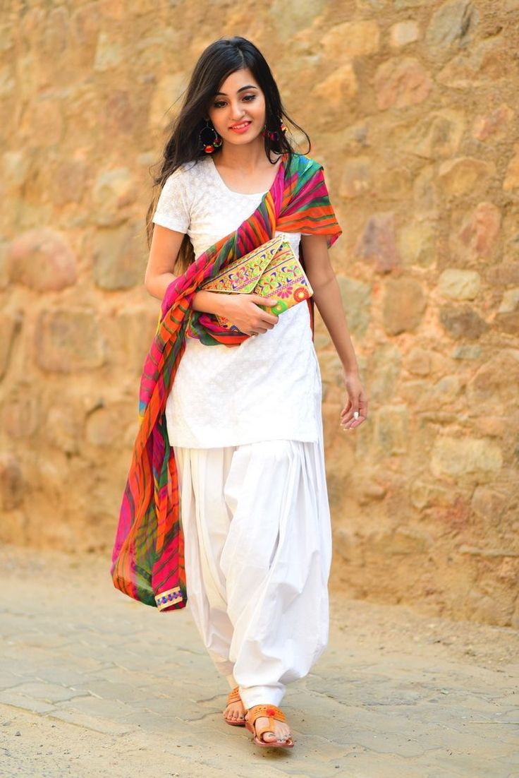 Pair Up A Simple Monochrome Suit With A Bright Dupatta In