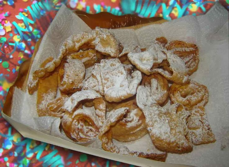 Cuoche clandestine: Tagliatelle fritte romagnole di Carnevale