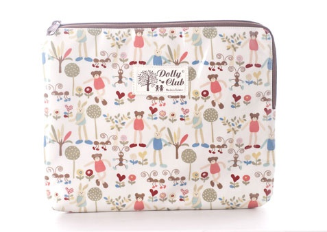 Tote your Ipad or Tablet in A Chic Cushioned Pouch from Dolly Club