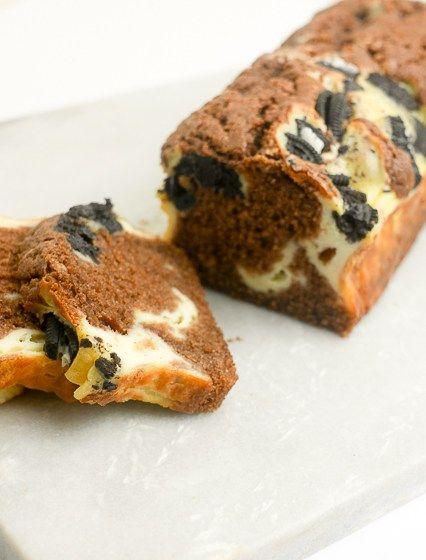 Chocoladecake met een cheesecake Oreo swirl | Foodaholic.nl