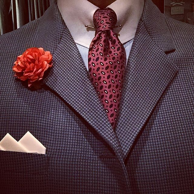 """The suit from the latest post deserves a closeup. Quite unusual, both in texture and colour. As mentioned before it's a Swedish NOS 1950's suit with four button jacket. It's marked """"17 years"""" on the tag so it's a youth suit. Tie is from Robert Talbott, shirt from A. Marchesan.  #vintage #menswear #mensfashion #mensvintage #vintagemenssuit #1950s #roberttalbott #amarchesanshirts #bouttoniere #dapper #welldressed #classicmenswear"""