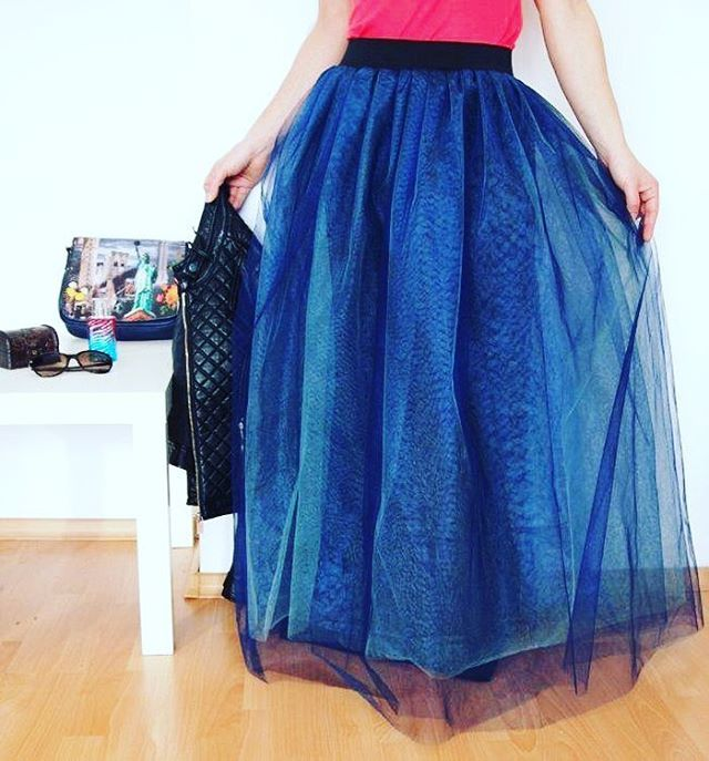 WEBSTA @ divazhousedubai - Double #chiffon skirt in #royalblue #light #chiffonskirt #skirt #divazhousedubai #skirt #getthelook #fashion #fashionista #style #dubai #instagood #outfit #trendingnow  #follow #getthelook #fashion #fashionista #style #dubai #summer #instagood #outfit #trendingnow #accessories #followme #photooftheday #swag #pretty #instacool #instamood #iphonesia #picoftheday #beauty #ootd #outfitoftheday #likeback #shopping