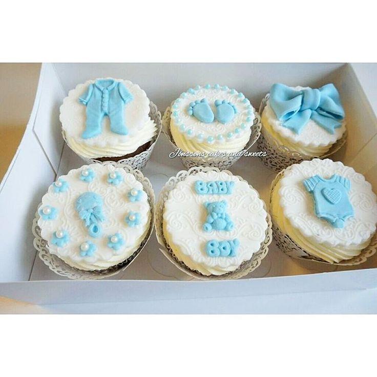 Cupcakes till babyshower 😊 #jönssonscakesandsweets #cupcakes #frosting #dekoration #itsaboy #jakobsberg
