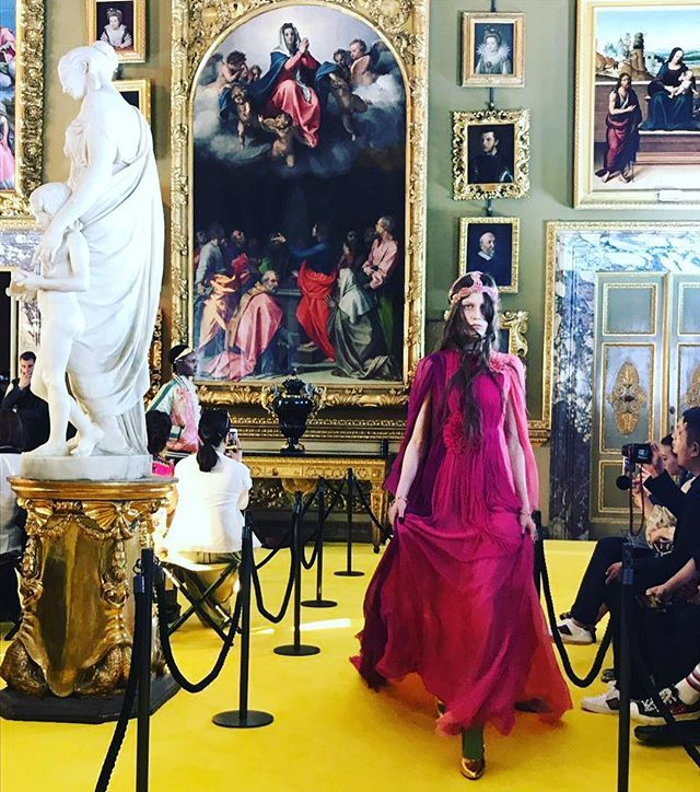 Алессандро Микеле представил #guccicruise18 во Флоренции. Скоро на bazaar.ru  via HARPER'S BAZAAR RUSSIA MAGAZINE OFFICIAL INSTAGRAM - Fashion Campaigns  Haute Couture  Advertising  Editorial Photography  Magazine Cover Designs  Supermodels  Runway Models