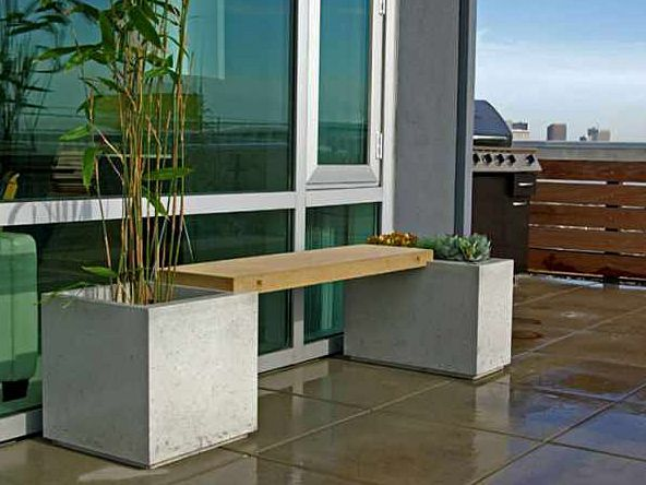 The Park Avenue Planter and Bench is a versatile, multi-functional seating area that turns your balcony or patio into a streamlined garden getaway.