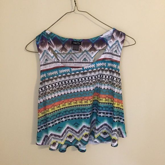 Aztec crop top Cute Aztec cropped top. Never worn but tags removed. Size large. Tops Crop Tops