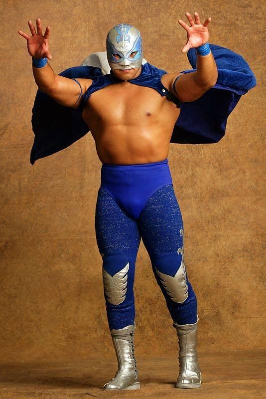 Masked luchador Angel Azteca Jr.