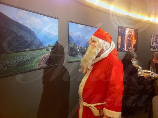 Father Christmas visited my photography exhibition in December 2011. Photo Soili Mustapää.