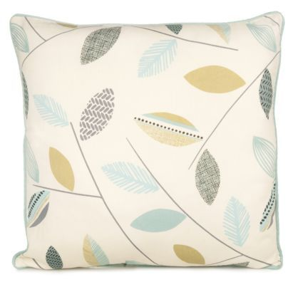 The contrast piped edging gives beautiful details to this cushion #CityFields #Leaves