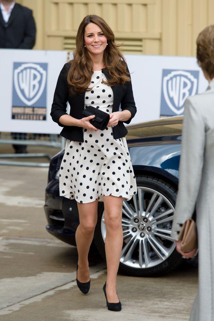 Que Kate Middleton e Blair Waldorf são referências de moda clássica você já está cansada de saber. Lançar mão do estilo retrô sem parecer, digamos, antiga - ou saída de um brechó - é tarefa para poucas.