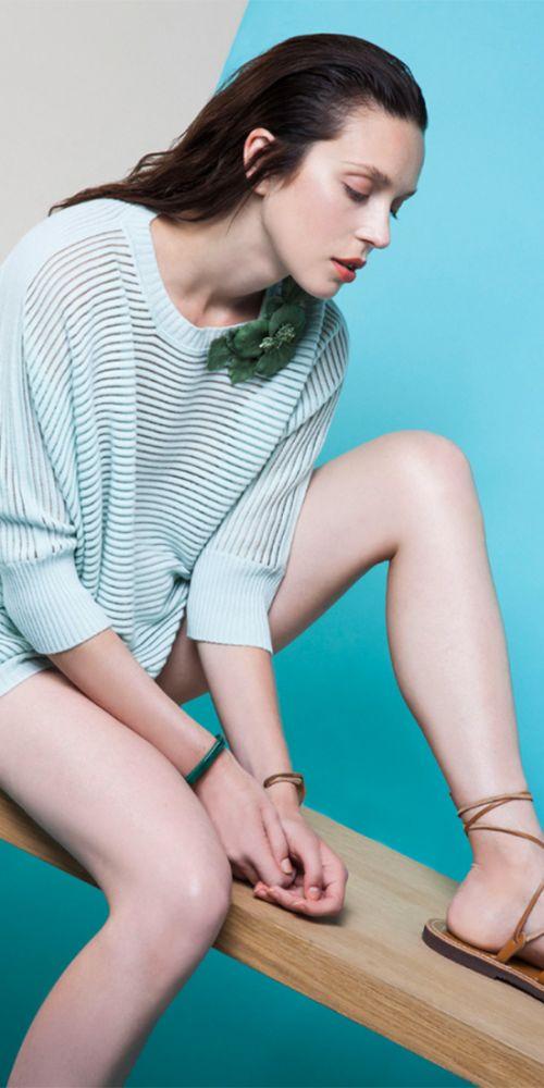 Spazio Donna raccoglie le grandi marche di abbigliamento del fashion system: Michael Kors, Valentino, Burberry, Moncler sono alcune delle nostre collezioni.