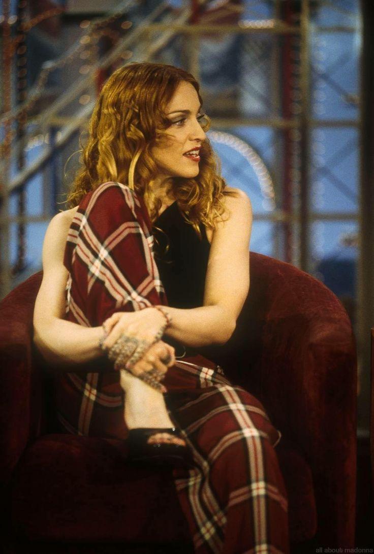 98 Best Professional Makeup Simple Beautiful Photography: Best 25+ Madonna 90s Ideas On Pinterest