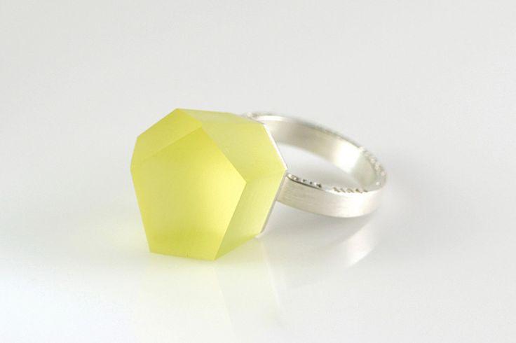 VU - icterine yellow, silver ring - =PYO=