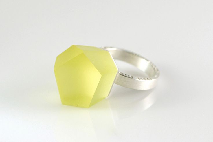 VU - icterine yellow, silver ring - =PYO=