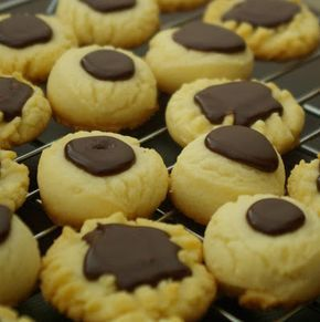 Within the Kitchen: Brown-Eyed Susan Cookie Recipe