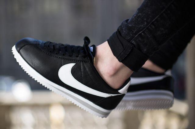 NIKE CORTEZ (BLACK/WHITE) | Sneaker Freaker: