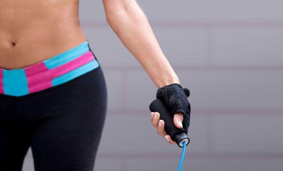 Saltare con la corda: programma completo per dimagrire in 2 settimane! | I combatticiccia