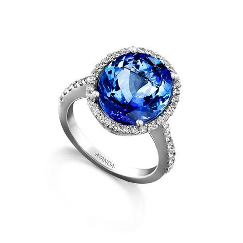 Beautiful Tanzanite: Beautiful Oval Cut Tanzanite Ring Set With Microset