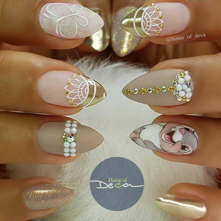 Hermosas uñas stiletto de Bambi. Disney nails .
