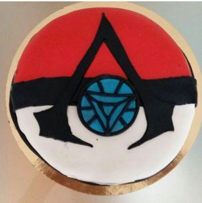 Tarta fusión con lo que mas le gusta a hugo! #pokemon #IronMan #AssasinsCreed #cake #tarta #tartadefondant #fondant #fondantcake #deliciosa #redvelvet #buttercream