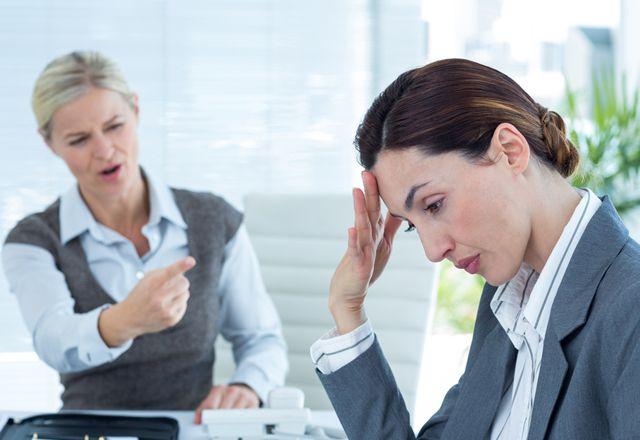 嫌いな同僚から離れて「ポジティブ」に働くには? -良好な人間関係のアドバイス