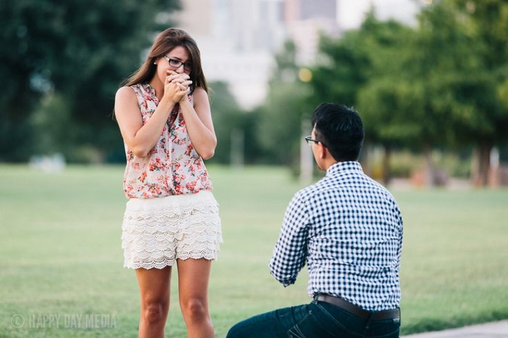 Outdoor Proposal // Butler Park // Austin Skyline // Romantic  »  Austin Wedding Photographers – Happy Day Media