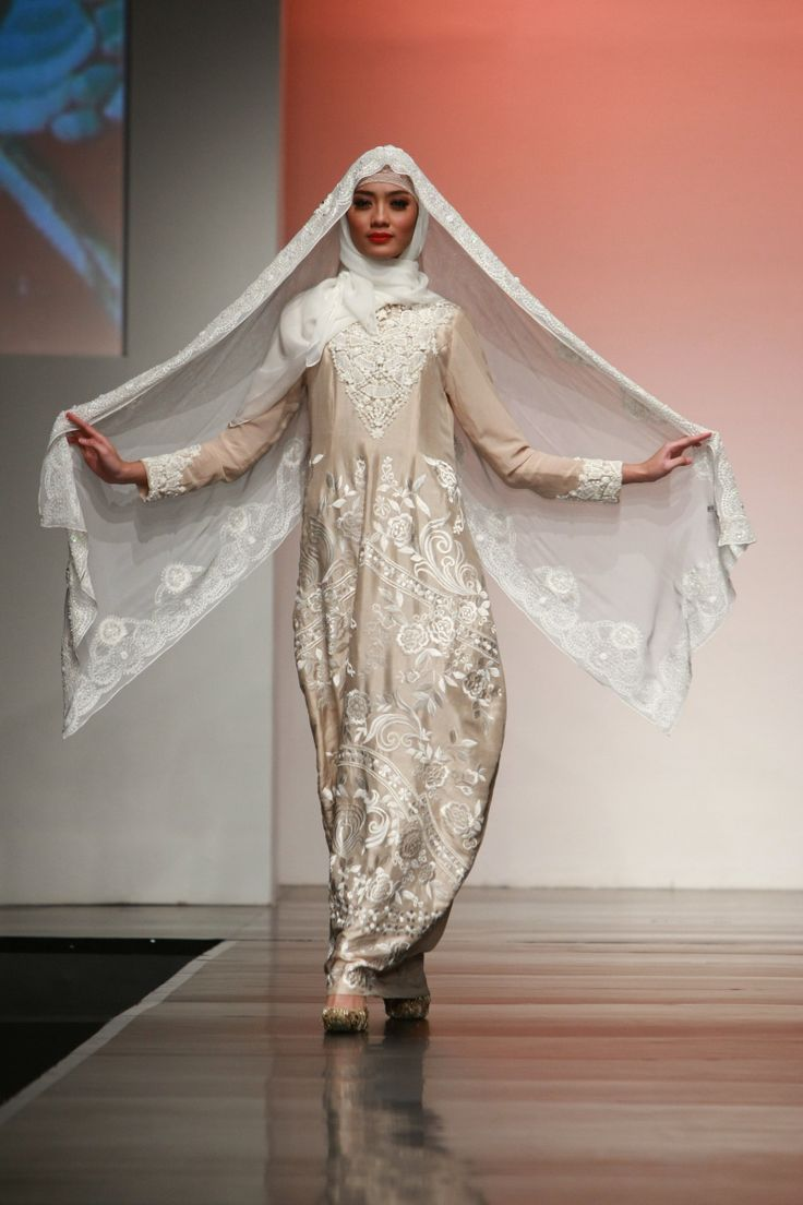 "Ronald V Gaghana ""Elements"", Jakarta Islamic Fashion Week 2013"