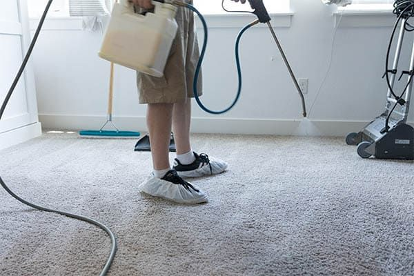 Carpet Cleaning Pre Spray In 2020 How To Clean Carpet Professional Carpet Cleaning Dry Carpet Cleaning