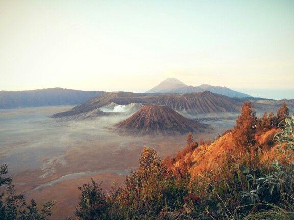 Seeing Kawah Bromo @Mount Bromo, East Java, Indonesia from Kingkong Hill (11th October 2014)
