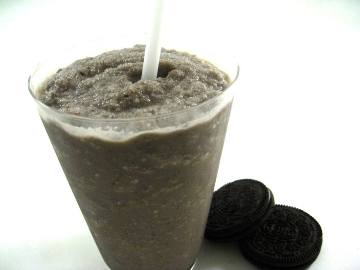 """Get out the blender...Why bother to dunk your Oreo cookies in cold milk? Here the cookies are, in a sense, """"pre-dunked."""" Each dreamy sip provides a flavorful proportion of Oreo cookie and vanilla flavors and the shake gets extra body from t"""