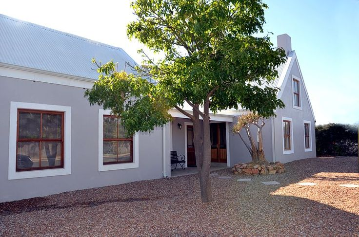 Eldorado Country House - Eldorado is a beautifully restored old Riebeek Kasteel home with five double bedrooms en suite, plus a separate adjoining cottage with two double bedrooms. Whether you are looking for reasonably priced ... #weekendgetaways #riebeekkasteel #southafrica