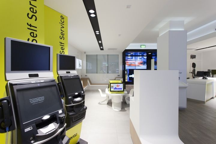 Hertz flagship store by wanda creative london uk for Retail design companies london