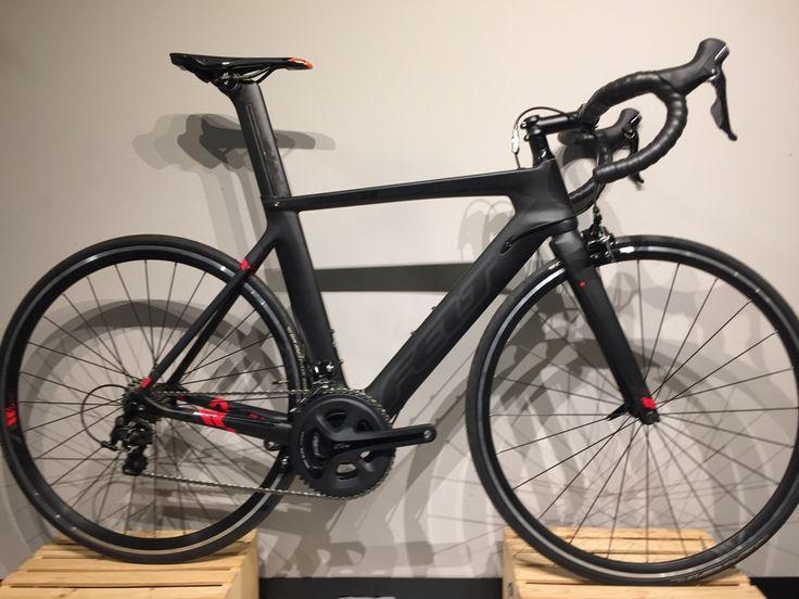 Vélos Felt en solde pour liquidation! Passez à notre magasin de vélo à Boisbriand pour voir tous les rabais.