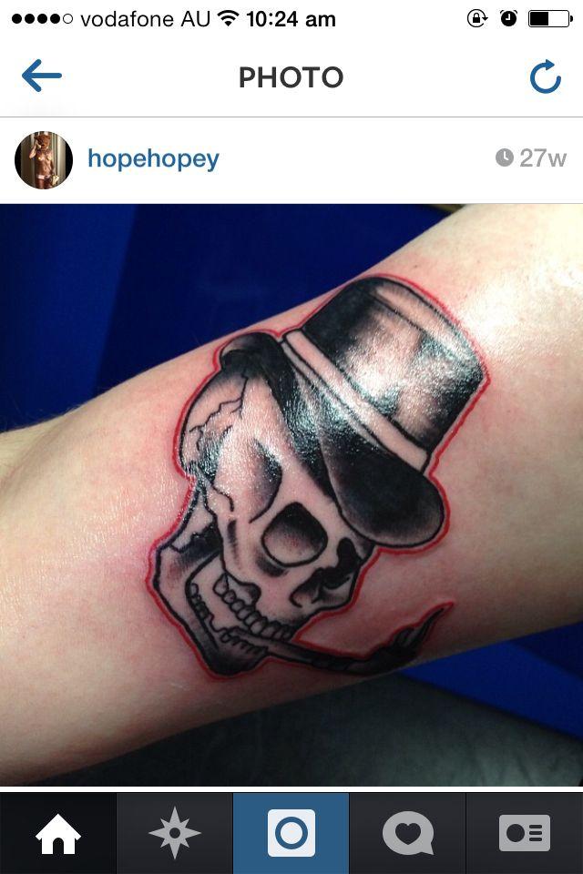 Smoking skull - love the top hat