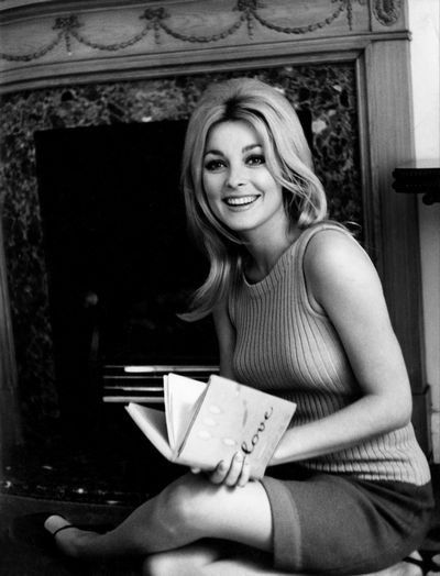 Sharon Tate reads