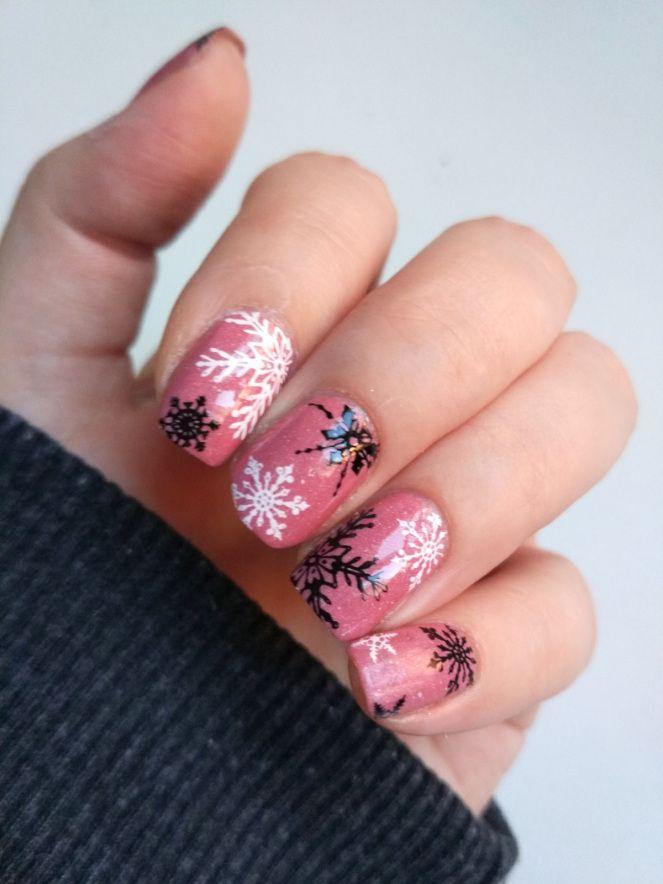 Pink snowflake nail art