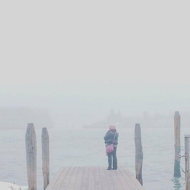 16.11 #Venice #fog #italy #foggyday #sea #venezia #nebbia #pier #chasingfog #fogvenice #foginvenice