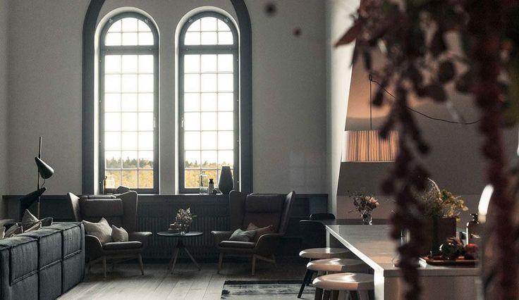 #Appartamento industriale  Questa casa è situata a Djurgården e si dice che guardare da questo appartamento l'alba sia un vero spettacolo