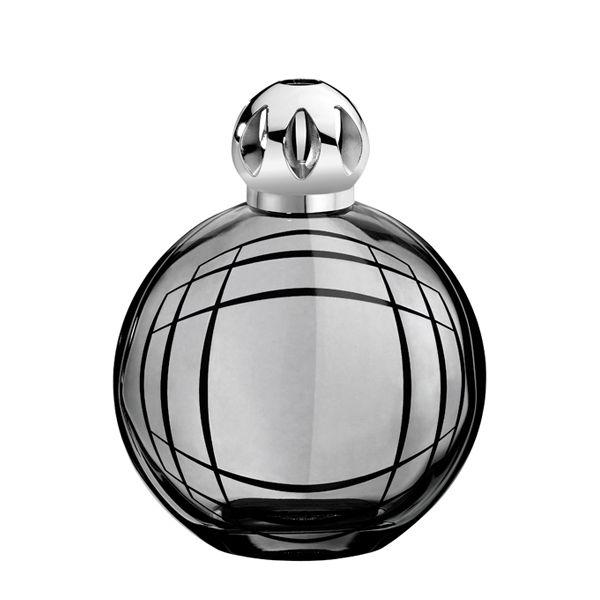 Simple Lampe Berger is een katalytische geurlamp die de omgevingslucht zuivert en tevens ook parfumeert De