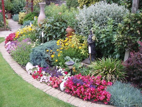 Landscape Borders Plants : Garden shrubs beds corner border plants borders