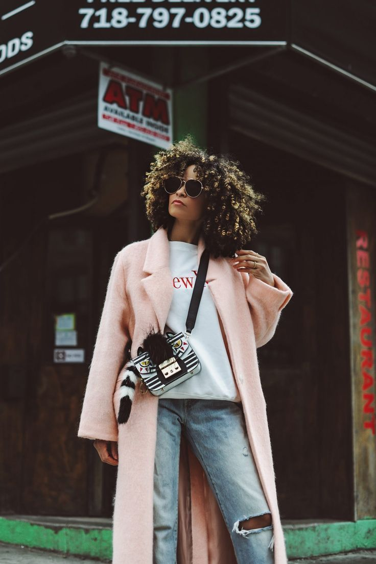 e1489ee5af3 How to Elevate Jeans and a Graphic Top - Scout The City