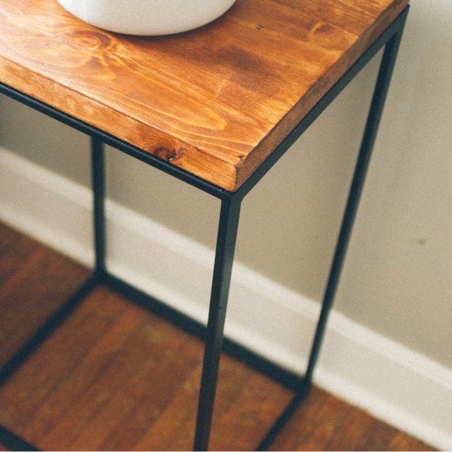 Bac à linge Ikea en table d'appoint - Magazine Avantages
