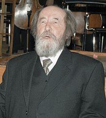 Alexander Solzhenitsyn in Moscow, December 1998. (Kislovodsk, Rusia, 11 de diciembre de 1918 – Moscú, Rusia, 3 de agosto de 2008) fue un escritor e historiador ruso, Premio Nobel de Literatura en 1970.