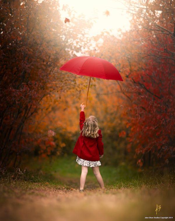 jake olson niña con paraguas rojo 01