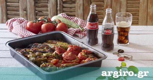 """Γεμιστά από την Αργυρώ Μπαρμπαρίγου   Αυτή είναι η συνταγή μου για τα ωραιότερα """"ορφανά"""" γεμιστά με ρύζι, χωρίς κιμά. Φτιάξτε τα όλοι, είναι πεντανόστιμα!"""