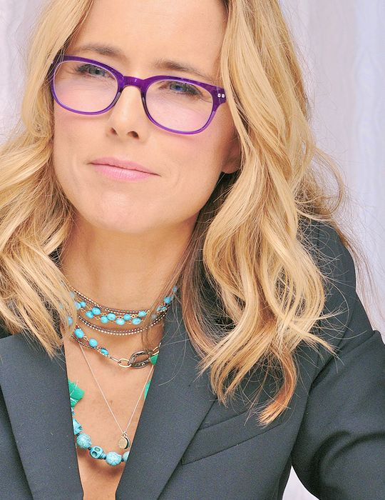How breath taking is Tea Leoni in her iGreen frames (V1.1)