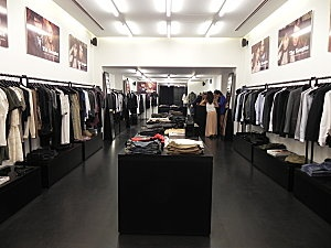 The Kooples King's Road store interior. Can now understand Mary Portas' comments about the lack of sophistication in the presentation of this supposedly 'premier' brand. The campaign images appear to just be mounted on the wall somewhat unprofessionally.