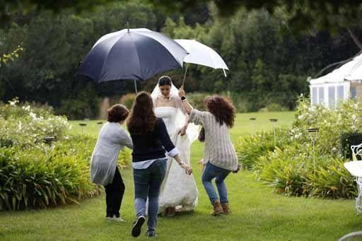 Giornata di pioggia! Sposa bagnata sposa fortunata? www.cinziaferri.com