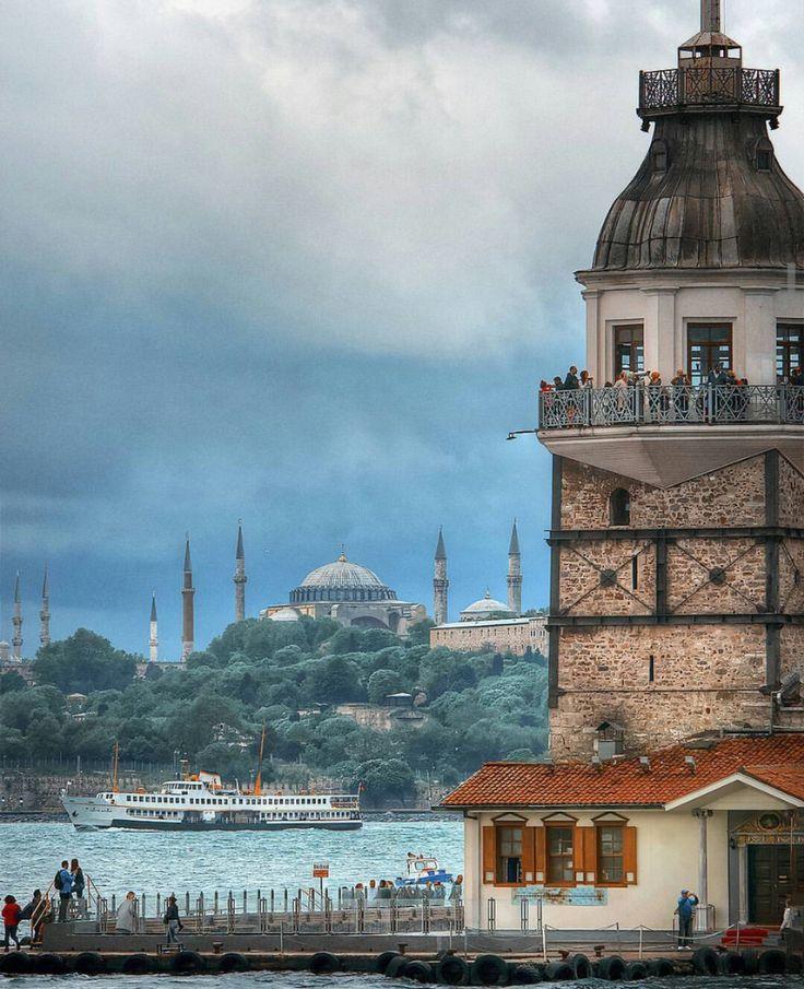 İstanbul Photo by Osmantpcu